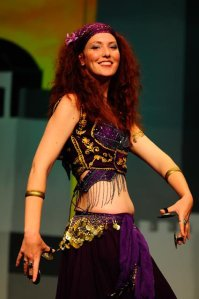 Coffs Harbour and Bellingen based Belly Dancer Jade with zills