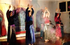 Jade Belly Dance students at Harem Night Toormina - photo by Jan (I think)