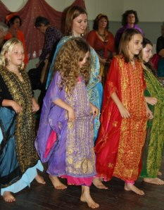 Children Khaleegy dance